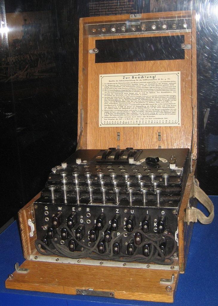 Verschlüsselungsmaschine-Enigma-wiktionary.org