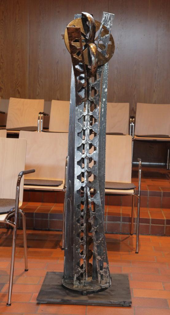 345b Wahrheit blüht auf, Skulptur von Edith Voßen, Foto Volkmar Schrimpf